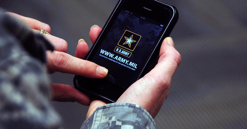 How Smartphones will Reshape the Modern Battlefield