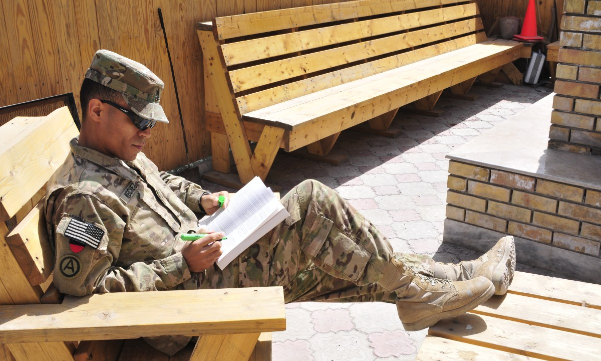 What Would Clausewitz Read? Professional Reading with a Purpose - Modern War Institute